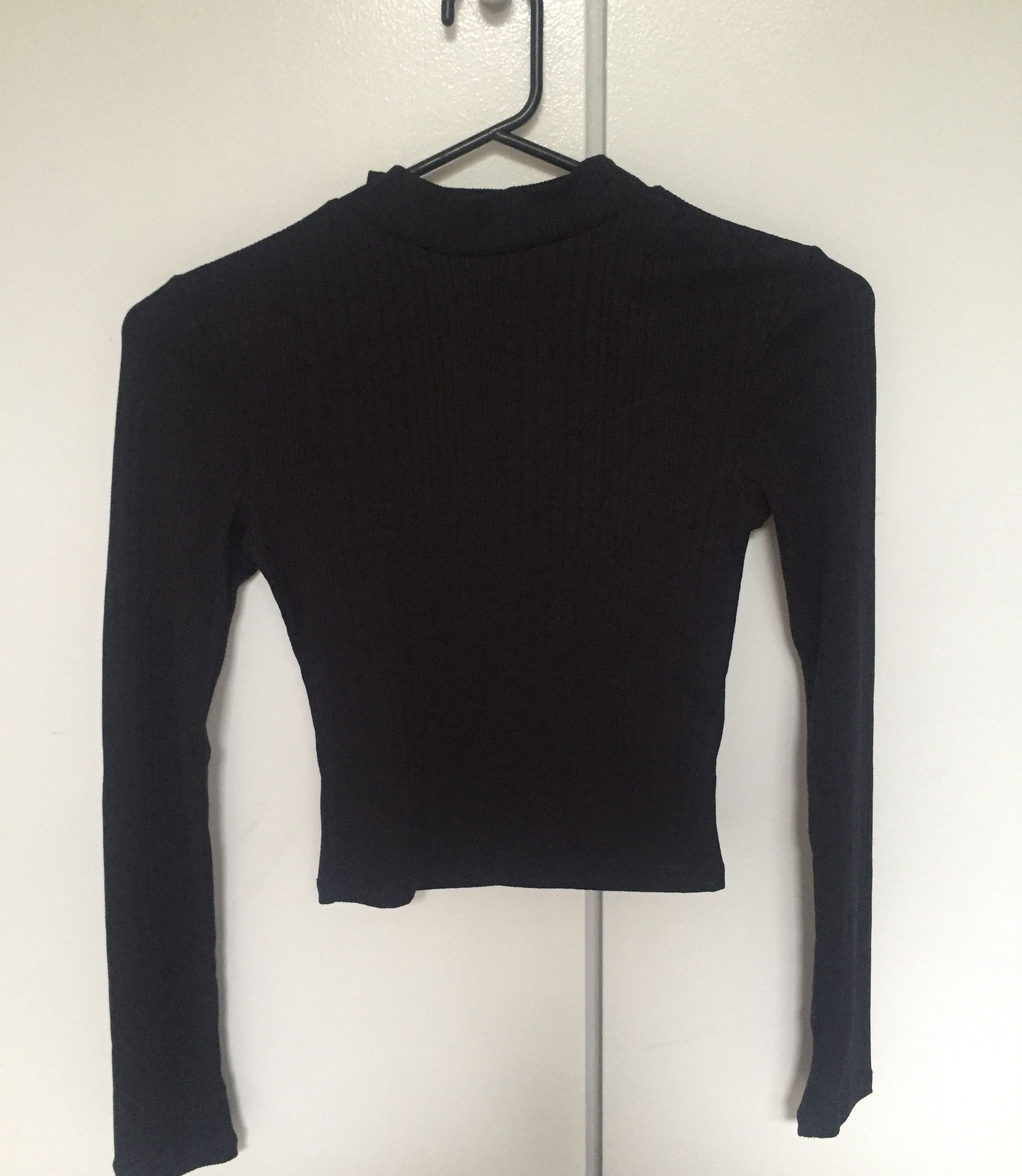 9d28daf24d27ad Black tight size 6 brand new never worn long sleeve top, Women's Fashion,  Clothes on Carousell