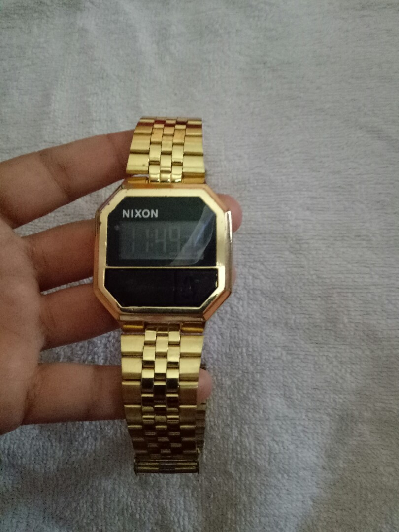 Jam tangan NIXON RE-RUN ALL GOLD, Women's Fashion, Women's Watches on Carousell