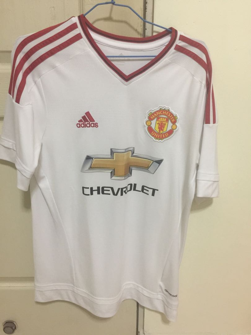 4ad1066ca Manchester United 15/16 Away Jersey, Sports, Sports Apparel on Carousell