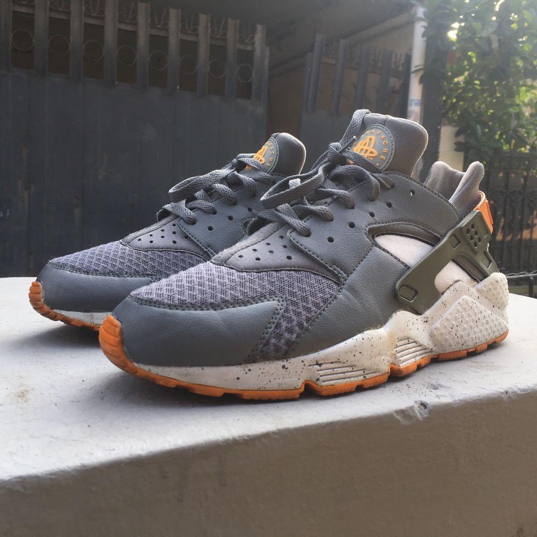 Nike Huarache grey orange