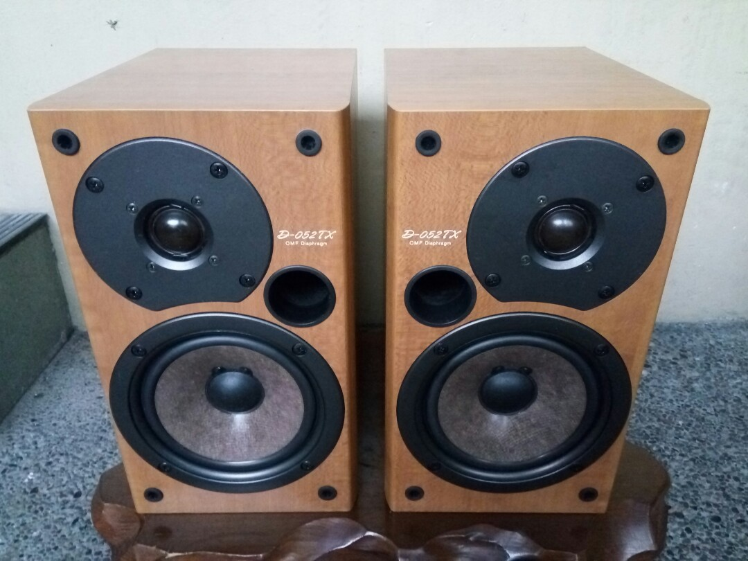 Onkyo Bookshelf Speaker From Japan Electronics Audio On Carousell