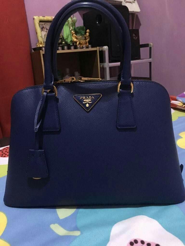 d359795ee669 ORIGINAL BLUE PRADA HANDBAG