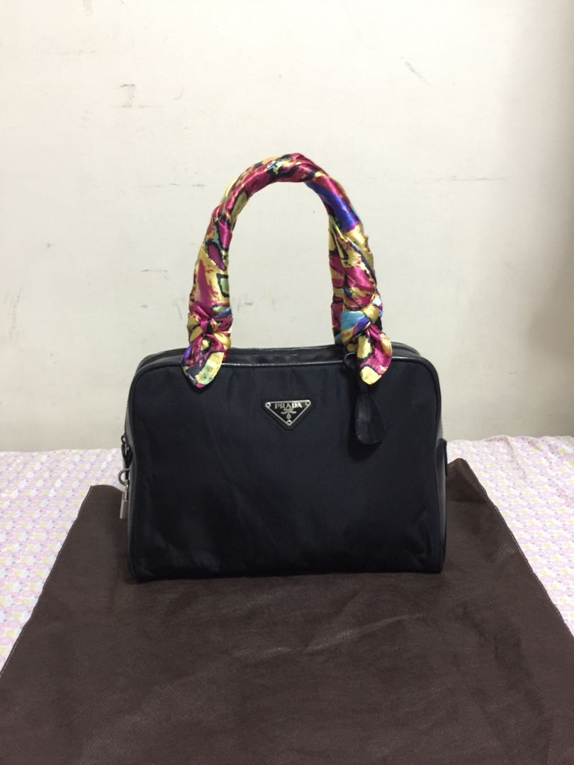 06689cea617c Prada bag (Preloved Authentic), Women's Fashion, Bags & Wallets on ...