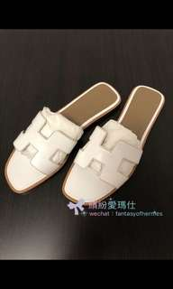 全新Hermes Sandals Oran Blanc colour  Size: 36.5 37 & 37.5 Black colour  Size : 36 Rouge Blush  Size : 38  配貨價$3xxx 🎉 啱著超值🎁 Full set with copy receipt  Please inbox 📩 for more details ❤️ Thanks😘