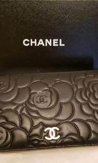 Used a few times Chanel 長銀包