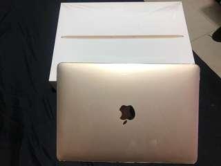 MacBook 第二代 金色 99%新(尚未完保養期)