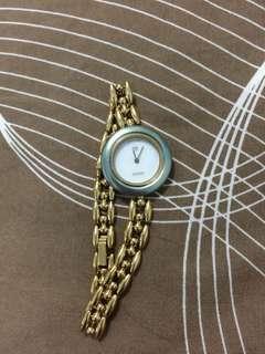 Gucci watch  with light blue ring.(just watch only M size)💯🇯🇵Original japan po galing./pre loved secondhand/paki tingin po mashado sa pics sa likod ng watch.//