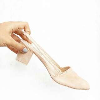 Heels (sizes: 35-40)