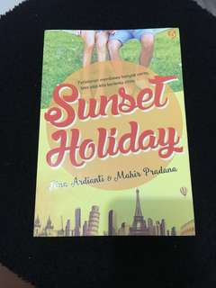 Novel Sunset Holiday