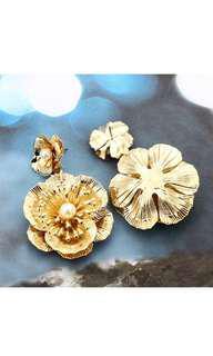 Alloy Golden Flower Earrings