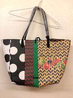 Desigual tote bag,雙面兩用, size : 30x13x28 cm