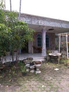 Rumah lama di jual luas tanah 17x35. 5 kamar. 6 kmr mandi