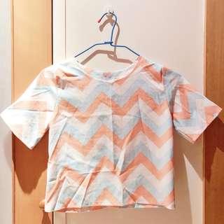 🚚 韓系甜美幾何線條短款上衣