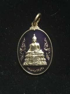 Phra Somdej Wat Rai Khing behind Saturday Buddha