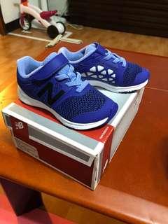 🚚 藍紫色童鞋13.5公分