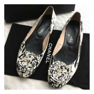 Chanel    ballerina shoes     @Size 37-1/2  Made in Italy@