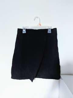 Topshop Textured Black Mini Skirt (US 4)