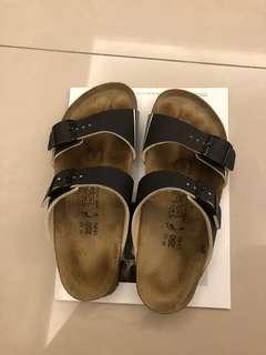 🚚 勃肯兩條拖鞋 25號