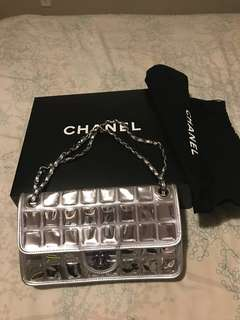 Mint condition Chanel purse.  Looks much better in real life.
