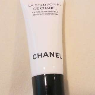 CHANEL LA SOLUTION 10 DE CHANEL  DO YOU HAVE SENSITIVE SKIN ? PROBLEMATIC SKIN ? ACNE PRONE SKIN ? SUN OVER EXPOSURE ? TRAVEL/WEATHER - STRESSED ?  100% AUTHENTIC & BRAND NEW