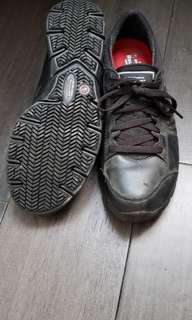 Non-slip sketchers running shoes