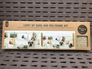 Light up, Hang and Peg Frame Kit