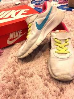 Nike runners for kids