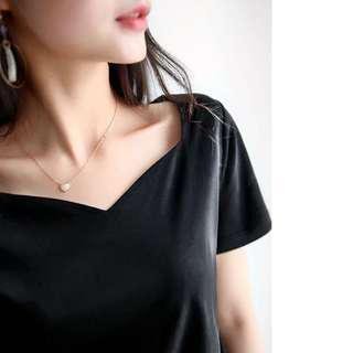 黑色絲光棉短袖上衣 top