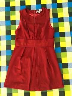 Dress cantik merah bata
