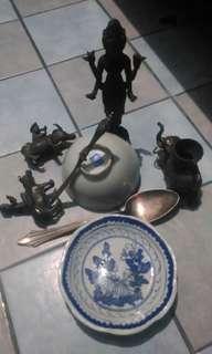 Barang antik campur mangkok ching, patung perunggu, kuningan, push perak dll