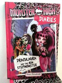 Monster High: Draculaura & The New Stepmomster