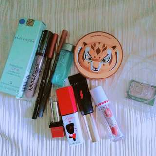 Make-up bundle
