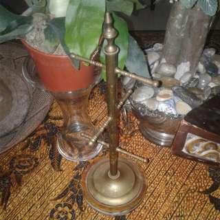 Brass Mugs Holder