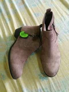 Arizona Jean Co. Taupe Boots