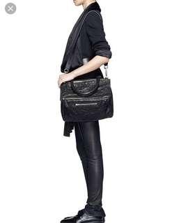 Givenchy Pandora medium 70% new