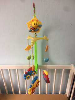 Mobile musical for baby cot