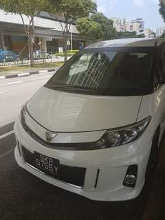 Toyota estima 8 seater