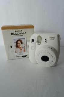 FujiFilm Instax mini 8 Instant Camera + Bonus bbrp kertas