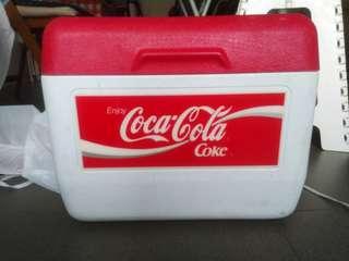 可口可樂手提冰箱(中古物),可放12罐