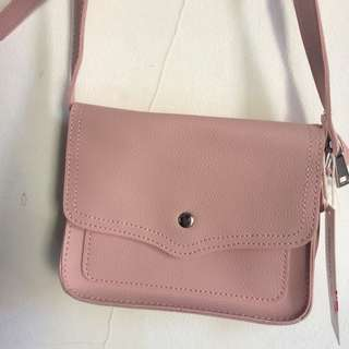 Miniso sling bag / crossbody / selempang pink