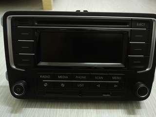 Original Volkswagen Radio (RCD320)