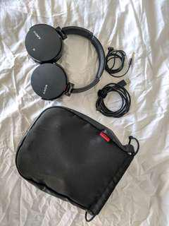Sony Wireless Headphones with carry case