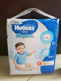 Huggies L size diapers free 2/3 L size diapers