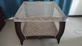 Lubby playpen/foldable/home or travel