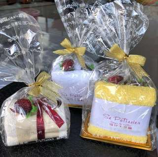Teacher's Day Gift: Soft cake towel gift  🍰