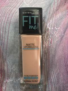 Maybelline Fit me Foundation in buff beige (130)
