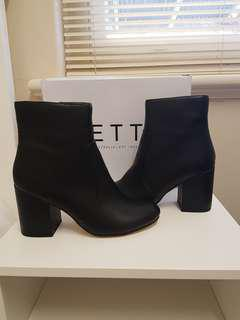 New size 9 betts boots