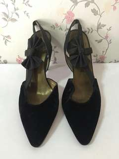 AUTHENTIC YSL SHOES WORTH 1250USD SIZE 36 1/2