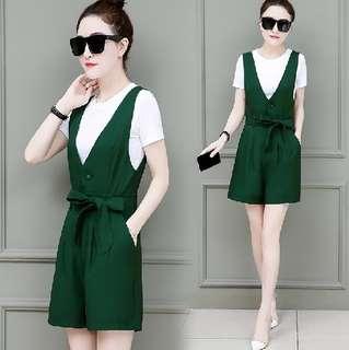 #省錢團購服飾  81396 #新款寬鬆顯瘦上衣+背帶褲 兩件套  颜色: 綠色 黑色   尺寸: S M L XL 2XL