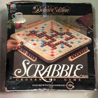 Scrabble (Deluxe Edition) Crossword Game